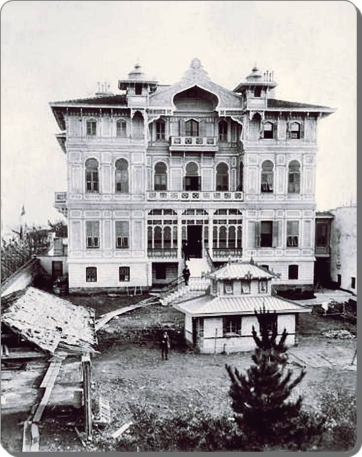 Halil Rıfat Paşa Konağı / Teşvikiye - photo from 1900s. The building was demolished in 1940s. 1940'larda yıkıldı.