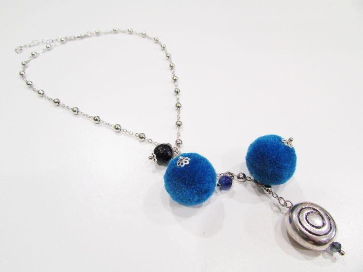 A Natale, regalate un accessorio unico, artigianale, fatto a mano ma soprattutto col cuore! Un accessorio unico, che faccia capire alla persona che lo riceverà di essere davvero speciale per voi...