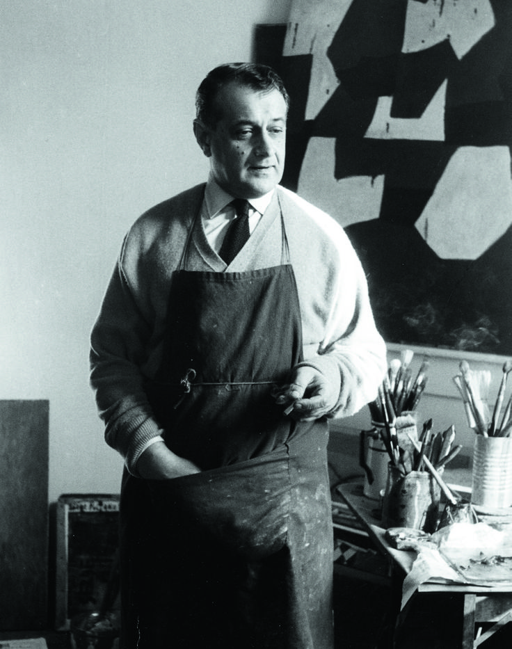 Serge Poliakoff dans son atelier Rue Dombasle, 1954. Photo Denise Colomb.