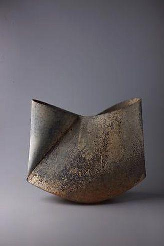 mihara-ken-Japanese-ceramic-327x490