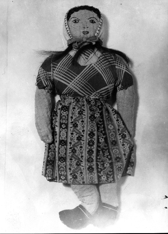 Doll made by Terezie Benová, sister of Josef Valčík, in Theresienstadt and given to the children.
