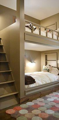 Créez des lits superposés : vous gagnerez de l'espace, et les enfants adoreront. | 38 idées géniales pour transformer votre maison