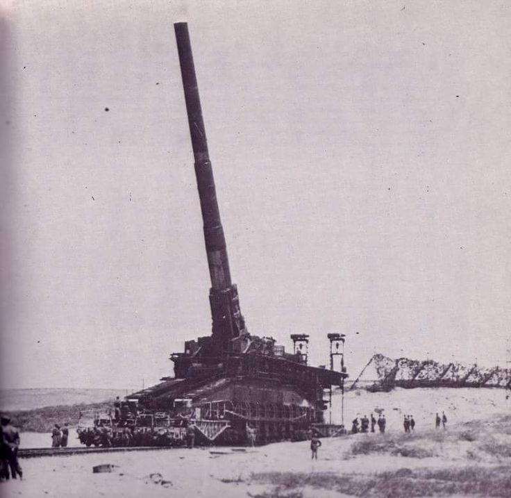 Crimea summer 1942.80cm railway gun schwerer Gustav. Source:stukablr #Railgun