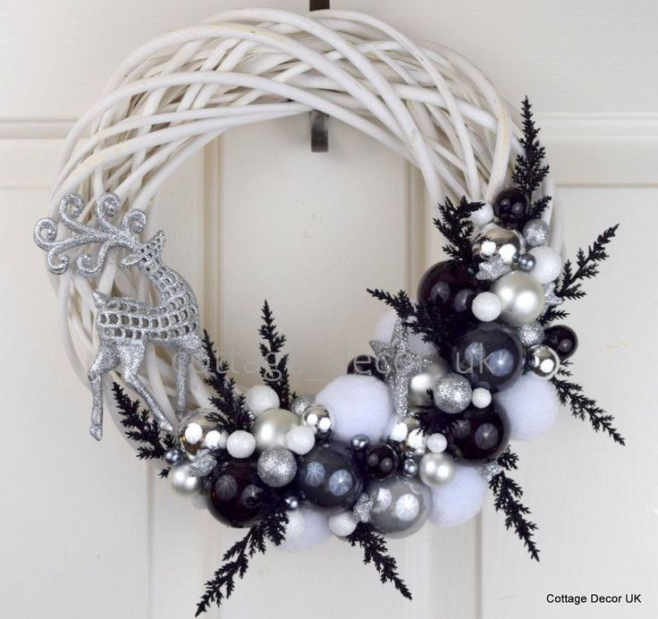 EXCLUSIVE XMAS CHRISTMAS WREATH BLACK WHITE SILVER HANDMADE in Home, Furniture & DIY, Home Decor, Dried & Artificial Flowers | eBay