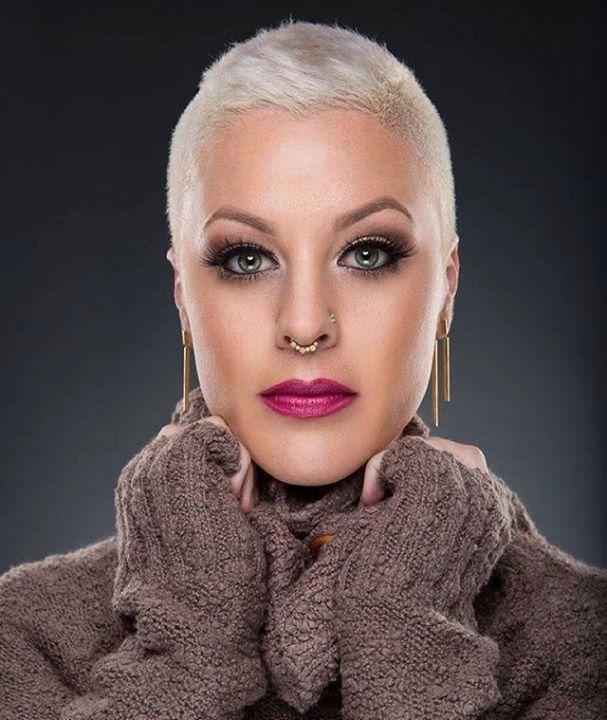 Short Hair Beauty — Rate her look from 1-10 http://ift.tt/1RdzCiA