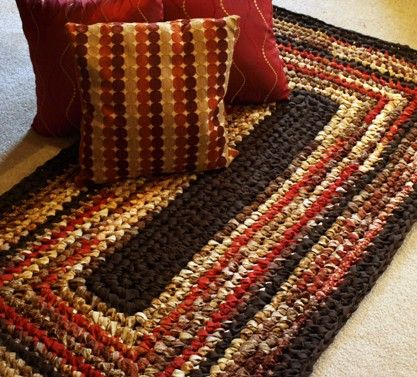 Make your own Crocheted Rag Rug! Love this one with squared off corners