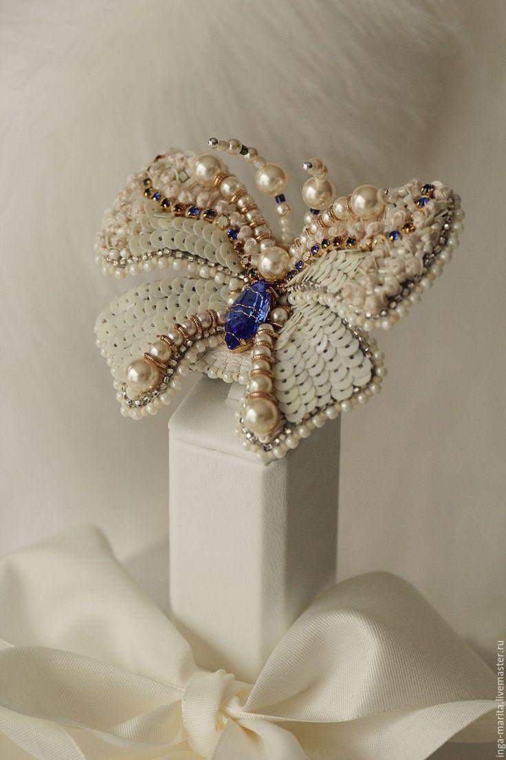 """Купить Заколка-Брошь """"white Paradise"""" - белый, люневильская вышивка, пайетки франция, авторские украшения"""