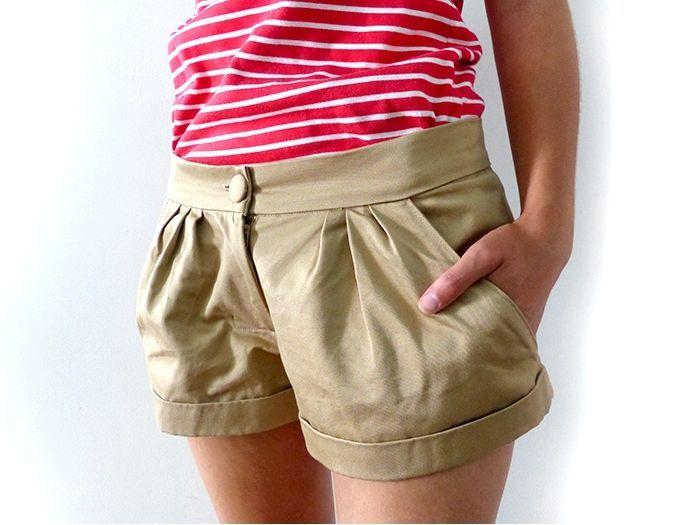 Quand on décide de ne plus (ou presque) mettre de pantalons pendant l'été, obligation de se faire un stock de shorts!  ( Short 1