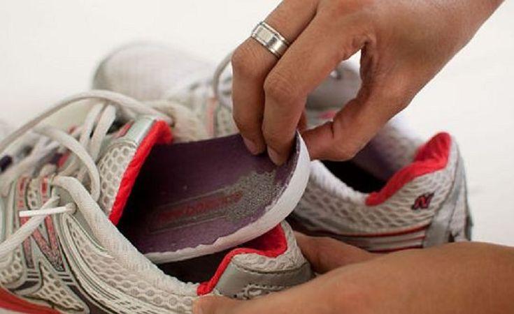 6 трюков, с которыми ты забудешь о проблеме неприятного запаха из обуви. Обувь — немаловажная деталь, по которой можно судить об аккуратности человека.Неприятный запах из обувипоявляется довольно-таки часто по разным причинам. Не только потливость ног и не до конца просу…