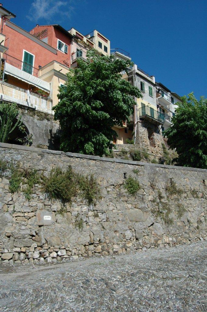 Bordighera (IM) centro storico del Paese Alto (Paize Autu)