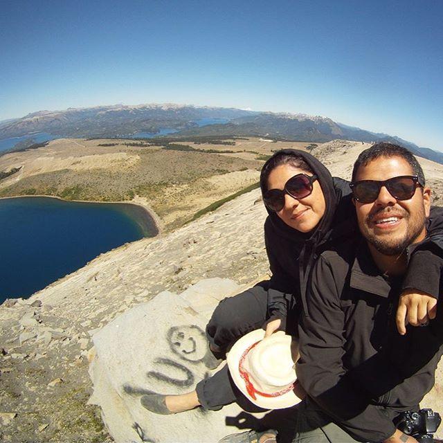 Batea Mahuida es un volcán que se encuentra en el límite entre Argentina y Chile. Para llegar hasta aquí hay que subir el volcán. Para esto fue útil, aunque un poco asustador, nuestro pequeño carro 4x4. Otra opción es caminando. Como sea hay que llegar hasta aquí! Uau!