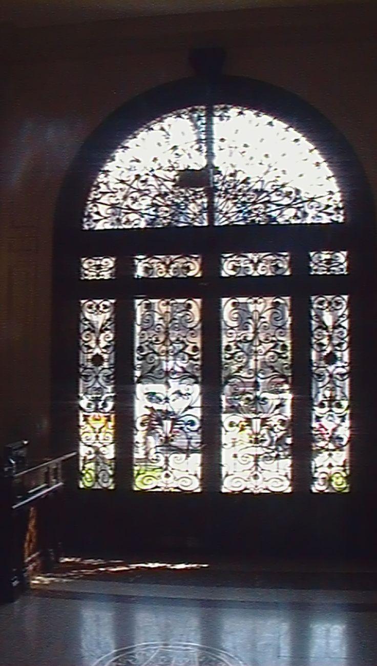 Puerta Colegio Abogados de Barcelona desde el interior