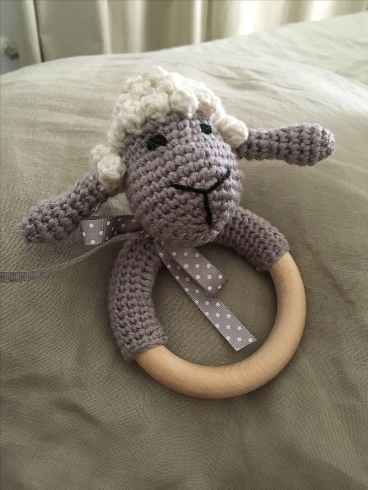 Sonajero crochet Hugo