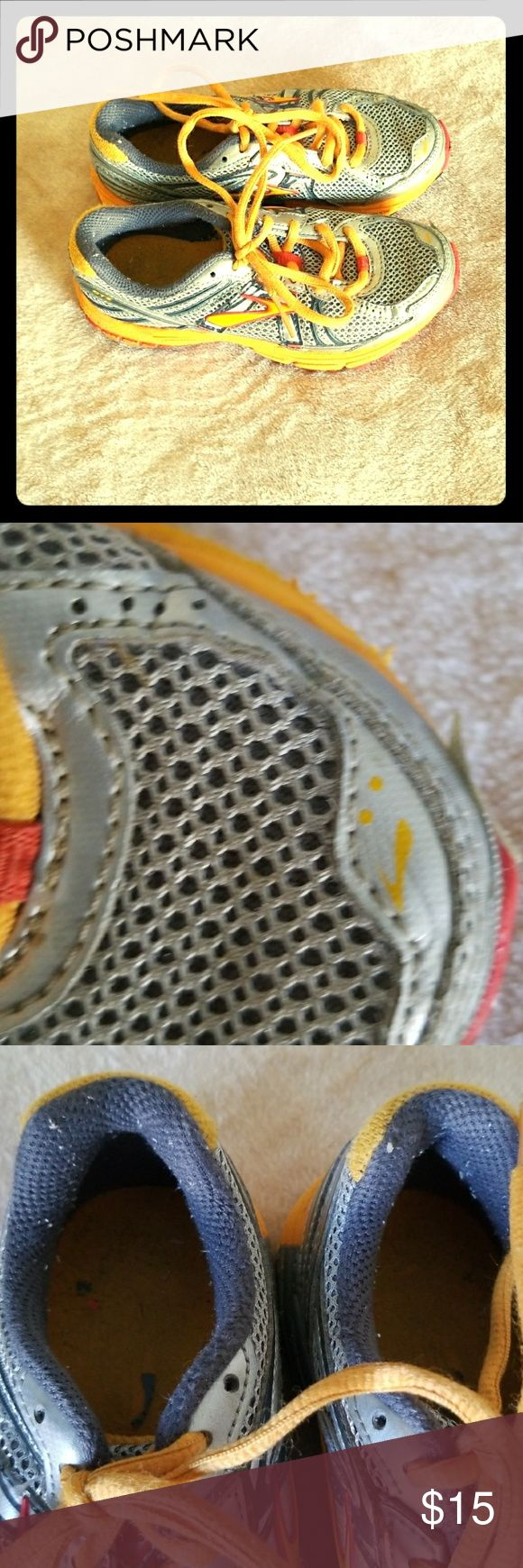 Brooks Tennis shoes Girls tennis shoes with some wear and tear but with life left in them! Make a great playtime shoe!! Brooks Shoes Sneakers