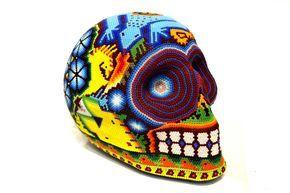 "Cráneo Huichol Gde ""Lagartija Azul"" - Artesanía Wixarika, hecha por artesanos de Jalisco. #ArteMexicano #Artehuichol #ArtesaníaHuichol #Artesanía #ArtesaníaMexicana #Huicholes #Huichol #ArtesaníaWixarika #Wixarika #Calavera #Cráneo #ColorAzul #Azul #Cuentas #Chaquira #EstiloMexicano #Venta #Sale #MadeinMexico #HechoenMéxico #HechoaMano #HandMade #Mexico #DF #Jalisco #CDMX #Nayarit #SanLuisPotosí"