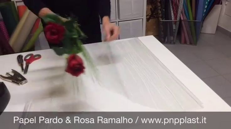 Gift wrapping- Wrapping roses