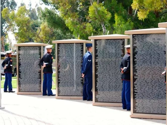 Irvine Unveils Memorial to Honor Fallen Heroes in Iraq and Afghanistan - Breitbart