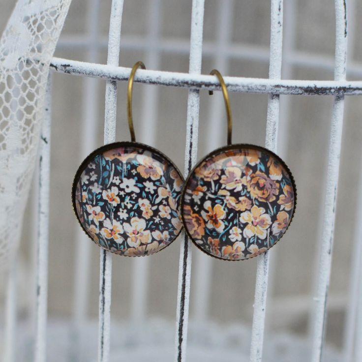 Boucles d'oreilles cabochon imprimé fleuri automne : Boucles d'oreille par bohemiasroad