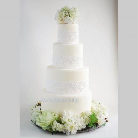 ケーキデザイン126 ナチュラルな中にも細やかなレースデザインが繊細な美しさを表見したウェディングケーキ