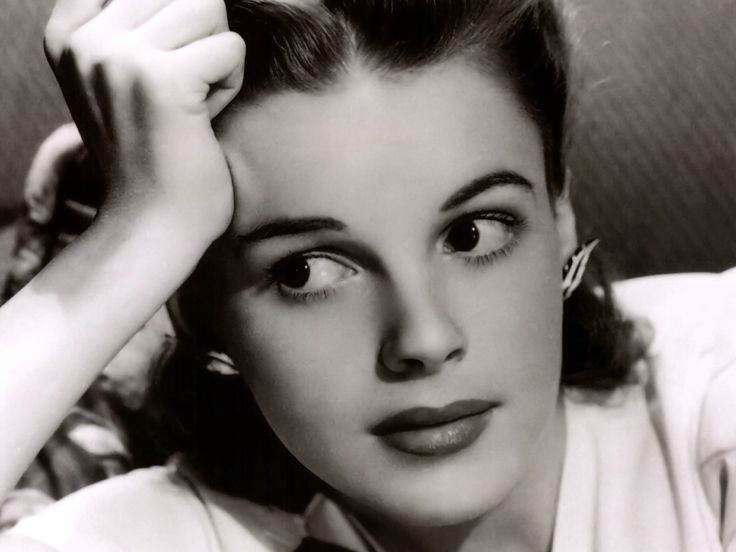 Judy Garland. Geez this woman is one for the books. Out of her HARD life in the studio business she still manages to be one of the best actresses I have ever seen.