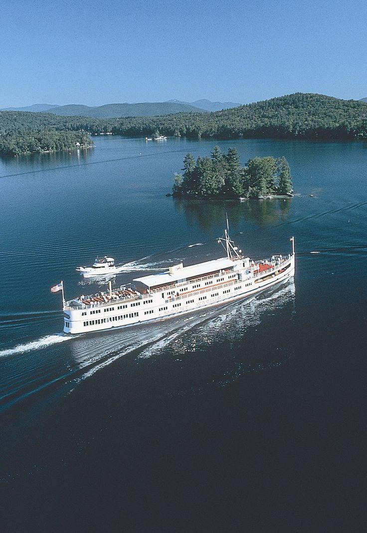 M/S Mount Washington Cruiseship on Lake Winnipesaukee, Photo Credit: New Hampshire Division of Travel and Tourism - M/S Mount Washington Cruises