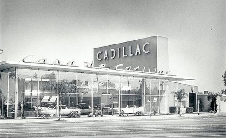 Casa de Cadillac in Sherman Oaks Tommy Lee, Willard Brown