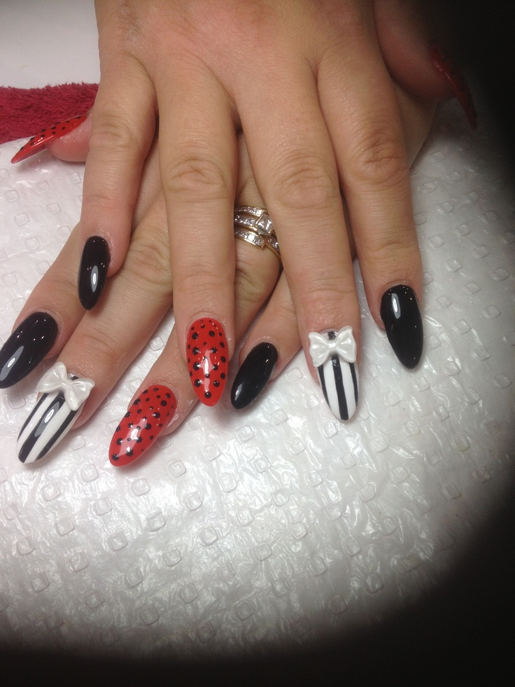 Stiletto Round Shape Using Shellac Colours Black Red And White Creating Dots On Nails Stripe Helps Intensify The Colour