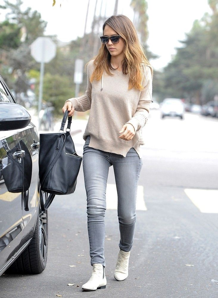 Jessica Alba - casual look