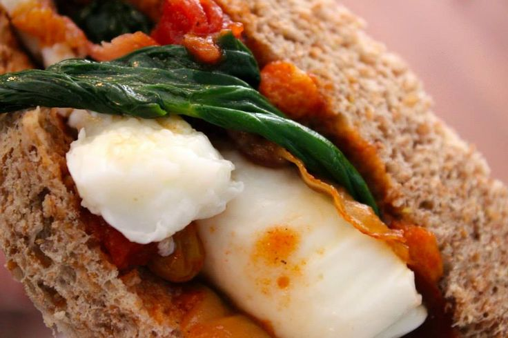 Egg, bacon and spinach on whole wheat: #Peck47 - Urban Hypsteria