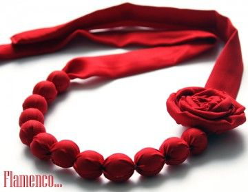 Zmysłowe - czerwone korale flamenco
