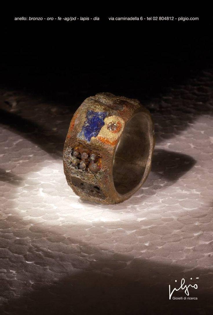 anello : bronzo - interno in ag/pd - ferro - lapislazzuli - mattone