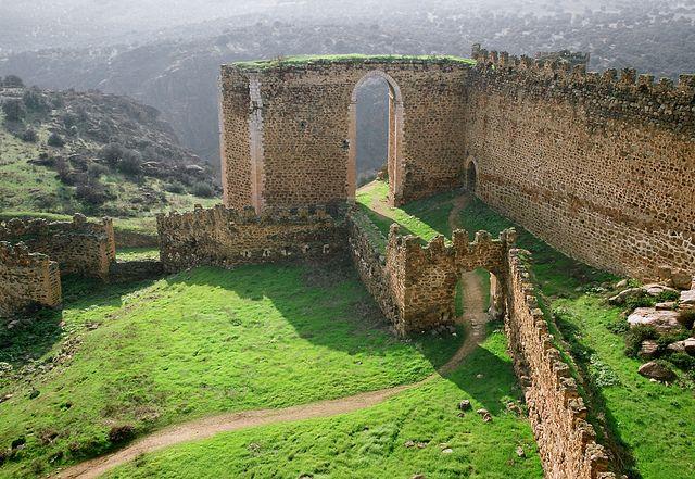San Martín de Montalbán / Toledo, Spain....uhhh I want to go so badly. No...I NEED to go!
