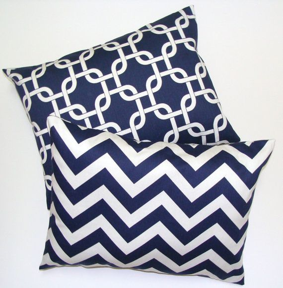 NAVY BLUE PILLOW Set.Pillow Covers for 18x18 inch Pillows.Decorator Lumbar Pillow Cover.Printed Fabric Front and Back.Cushion.cm