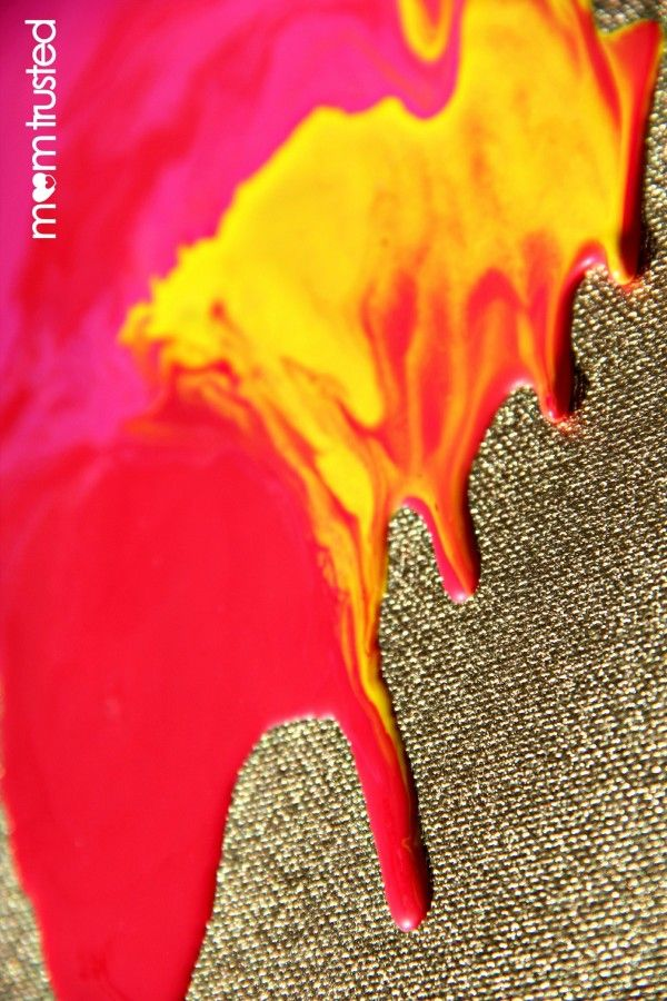 DIY project with the kids - Metallic Melted Crayon Artwork