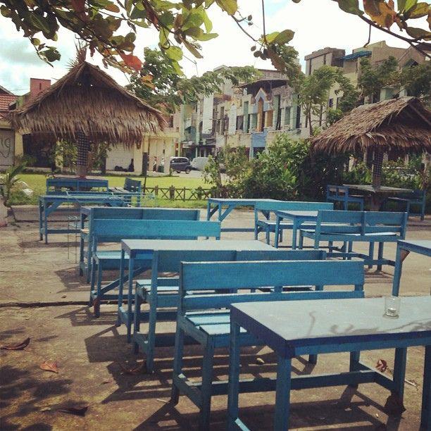 Cafe Obor #cafe #instabpn #instapic #balikpapan #instagram #instagramers #igers #instacool #blue