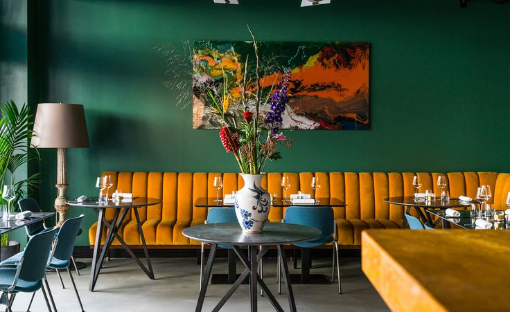 Architect Piero Zanatta has teamed with restaurateur Giacomo Mannucci to open To The Bone, a slick Italian steakhouse in Berlin's artfully scruffy Torstrasse. Referencing the pair's Italian heritage as well as the urban surroundings of its location in ...