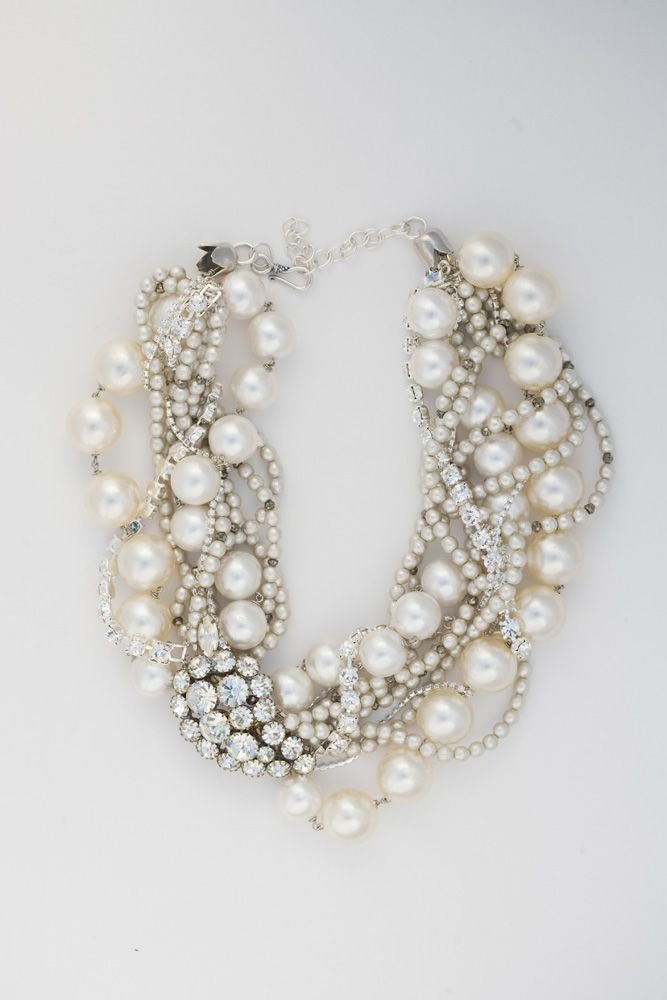 Gorgeous pearl diamond necklace
