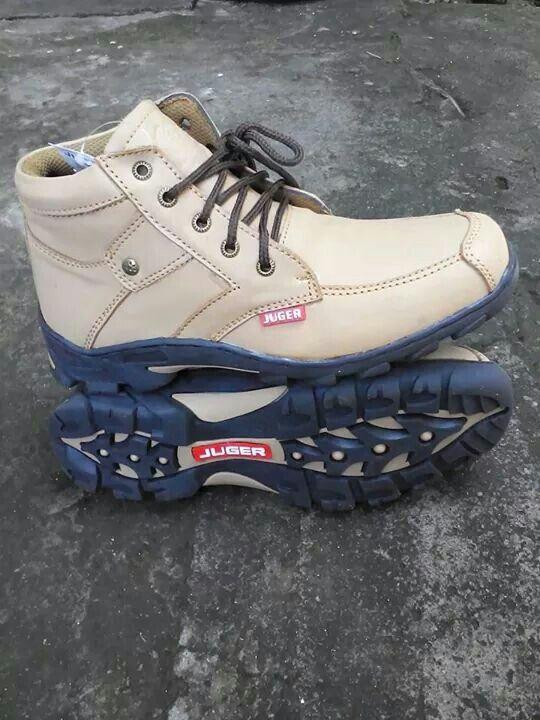 Sepatu kasual asli kulit
