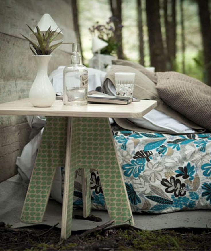 Mesa Auxiliar - Hecha en madera y estampada. $354.000 COP (Envío gratis). Cómprala aquí--> https://www.dekosas.com/productos/decoracion-hogar-vida-util-mesa-auxiliar-detalle