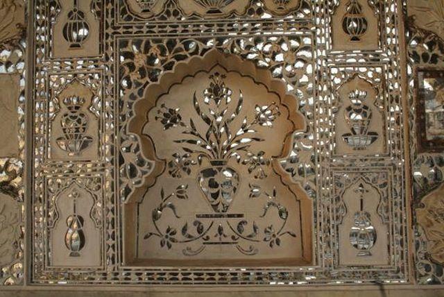 mirror murals - kutchi - gujarati - lippan kam on Pinterest | Mud ...