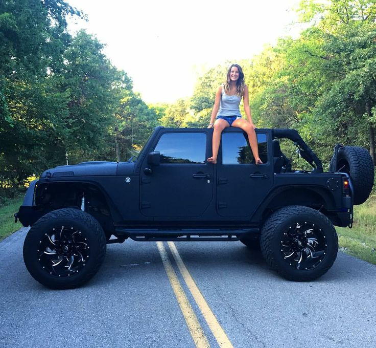 25 best ideas about jeeps on pinterest jeep jeep cars and jeep wrangler. Black Bedroom Furniture Sets. Home Design Ideas