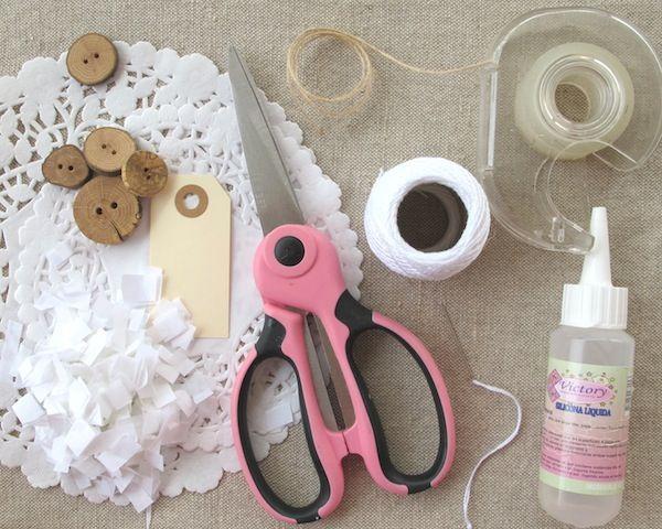 paper cones for rose petals for weddings | DIY Doily Cones | Heartmade Blog
