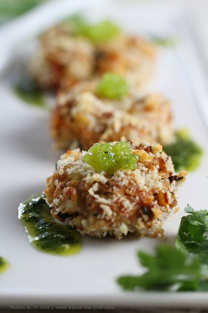 Crab Cakes with Lime Cilantro Aioli & Wasabi Caviar - What about the food?