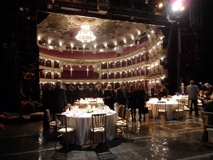 Dinner on the stage of the Prague's State Opera - 40 attendees
