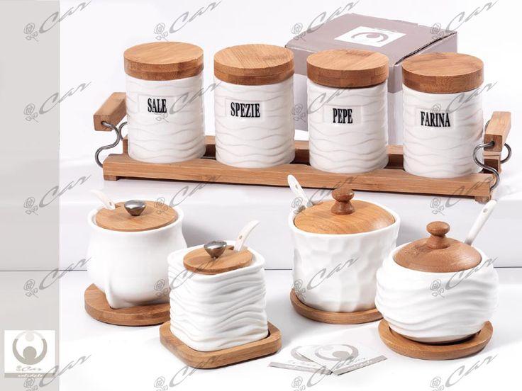 Set portaspezie e zuccheriere di porcellana bianca con tappo di legno
