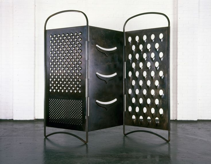 Mona Hatoum, Grater Divide, 2002 – photo Iain Dickens – Courtesy White Cube @ Tate Modern, London
