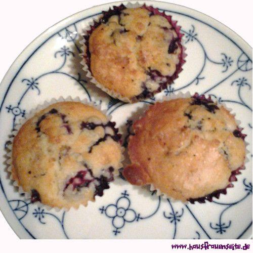 Blaubeer-Muffins -  Sie schmecken superlecker! Leicht und fruchtig, Tipp: nicht mit den Blaubeeren geizen! vegetarisch