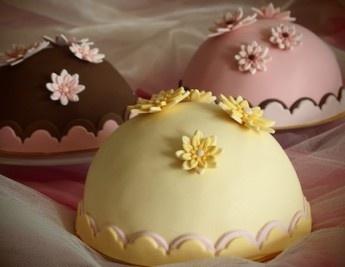 Durian, Chocolate Fudge, and Strawberry Mini Cakes