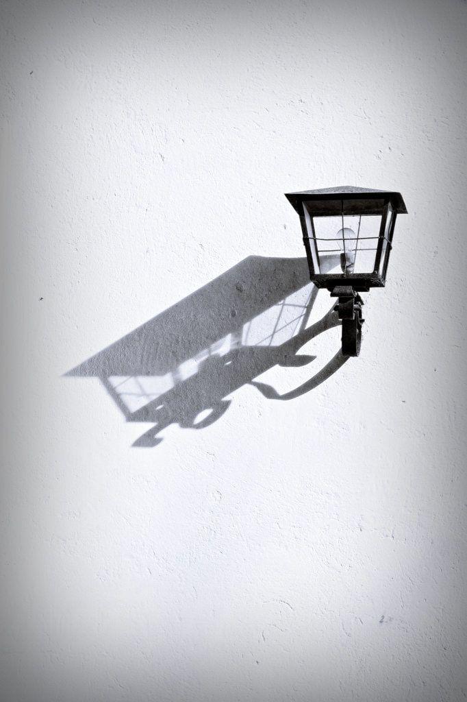 BWSTOCK.PHOTOGRAPHY  //  #shadow #lamp