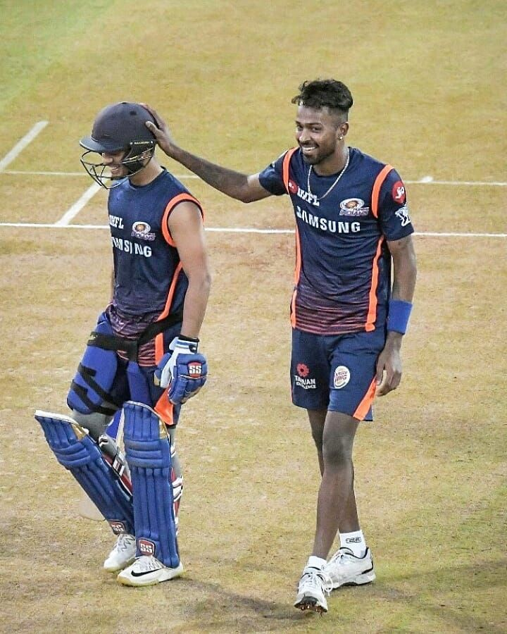 4 204 Likes 17 Comments Hardik Pandya Hardikpandya93 Fanclub On Instagram Good Morning Everyone Follow Hardikpa Mumbai Indians Sports Jersey Cute